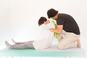 千葉県で高校生の頭痛を改善する整体が警告する施術の写真